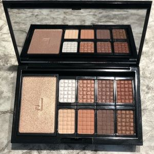 Doucce Eye Shadow Palate
